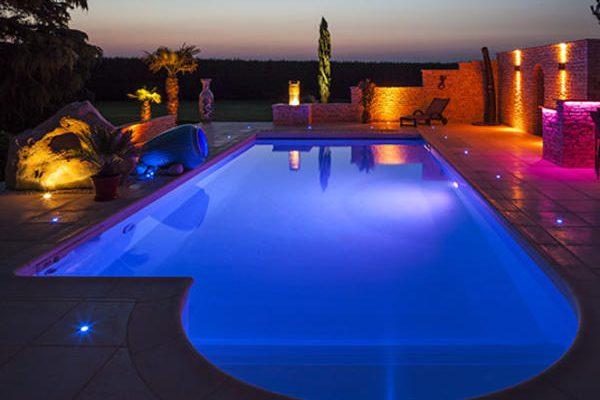 projecteur-piscine-neolight-couleur.eacb4a833f185c2aa5d327ec05880d44784